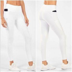 NWT Fabletics High Waisted Cold Weather Leggings M